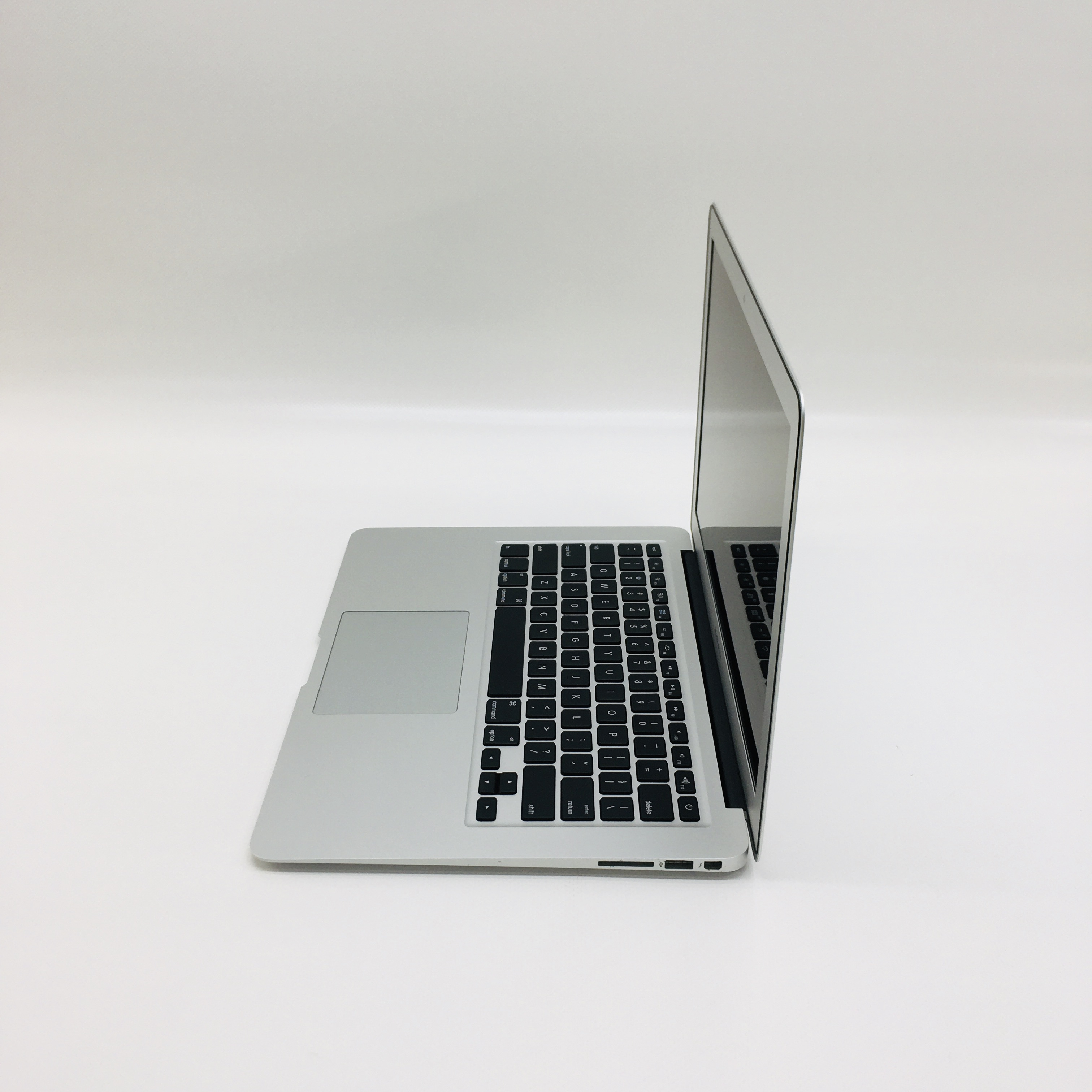 "MacBook Air 13"" Early 2015 (Intel Core i5 1.6 GHz 4 GB RAM 256 GB SSD), Intel Core i5 1.6 GHz, 4 GB RAM, 256 GB SSD, image 3"