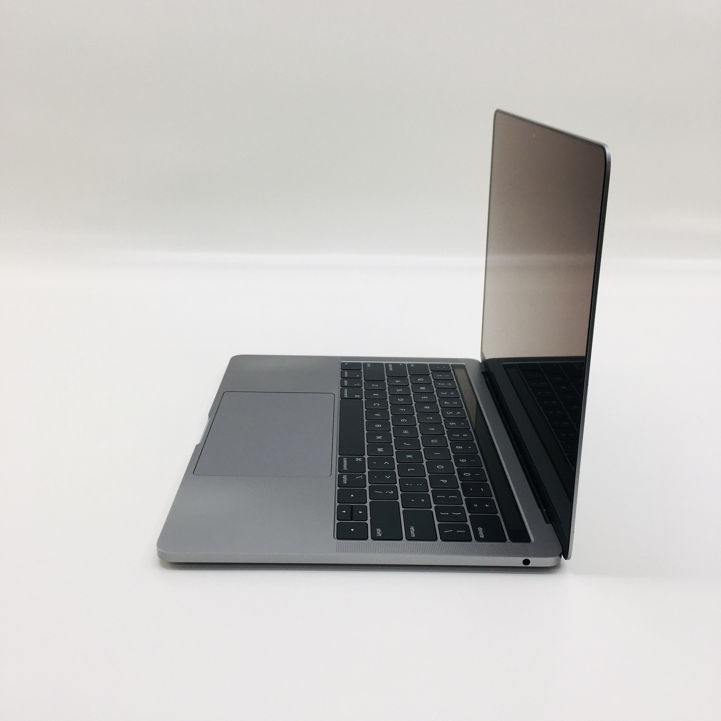"MacBook Pro 13"" 2TBT Mid 2019 (Intel Quad-Core i5 1.4 GHz 8 GB RAM 128 GB SSD), Space Gray, Intel Quad-Core i5 1.4 GHz, 8 GB RAM, 128 GB SSD, image 3"